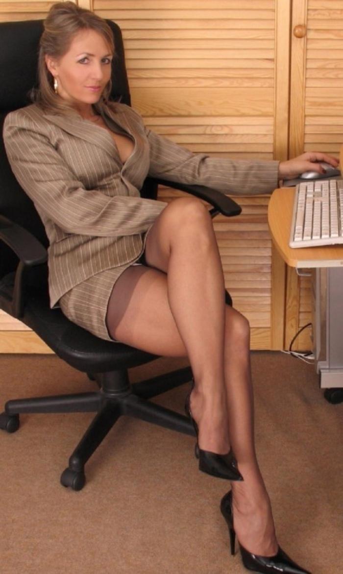 Secretary Ready ForDictation